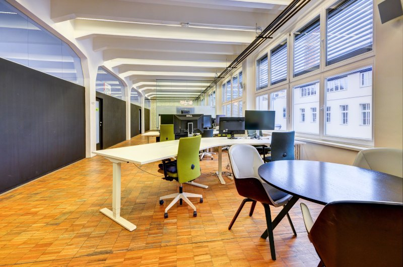 Fix desks at Impact Hub Prague D10